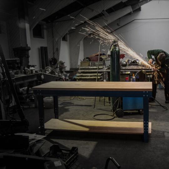 Établis et tables de travail
