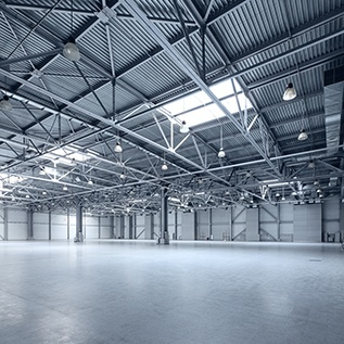 6 astuces pour optimiser l'éclairage dans votre entrepôt